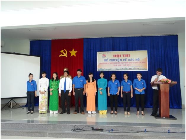 Thí sinh của các Chi đoàn tham gia Hội thi kể chuyện