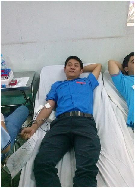 Hiến máu nhân đạo