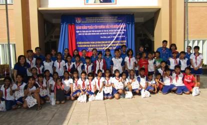 """Chi đoàn Quỹ Đầu tư phát triển Tây Ninh với chương trình """"Xuân tình nguyện – Xuân biên giới"""" năm 2020"""